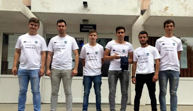 Foto: Peste 30 de elevi vor face practică în Spania şi Portugalia