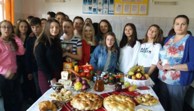 Foto: Elevii din Medgidia ne învață să mâncăm sănătos