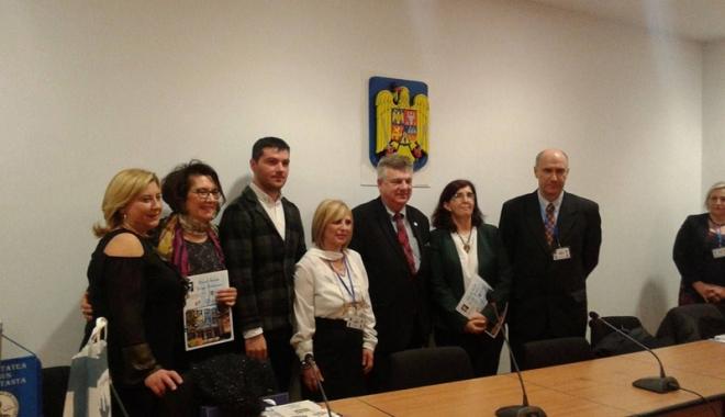 """Foto: Liceul """"George Călinescu"""" s-a înfrăţit cu Liceul Clasic """"Ovidio"""" Sulmona"""