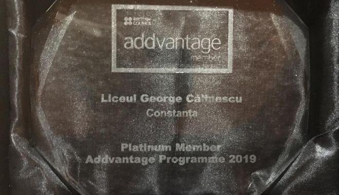 "Foto: Liceul ""Călinescu"", recompensat cu distincția ""Platinum Member"""