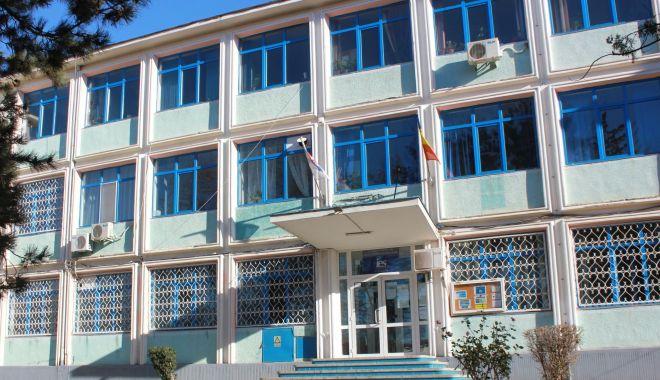 Liceul Energetic se înnoiește cu materiale pentru laboratoare - liceulenergetic-1595523226.jpg