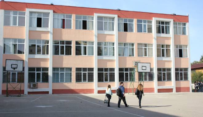 """Liceul """"Călinescu"""" va găzdui Concursul Judeţean """"Le Petit Renard"""" - liceulgeorgecalinescu8-1430239165.jpg"""