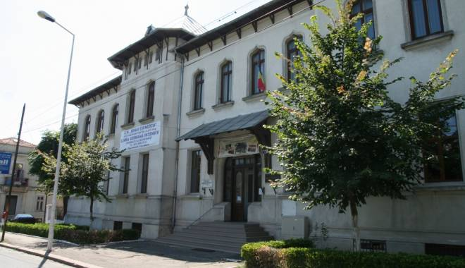 "Foto: Eveniment important azi, la Colegiul ""Eminescu"" din Constanţa"
