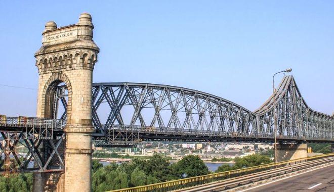 Foto: Licitația pentru reabilitarea podurilor de pe Autostrada Soarelui, reluată