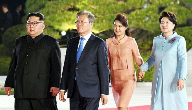 Foto: Liderii celor două Corei, prima întâlnire  în cadrul noului summit inter-coreean