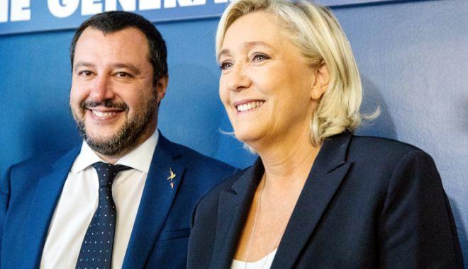 """Foto: Liderii de extremă dreapta Salvini  şi Le Pen atacă """"buncărul de la Bruxelles"""""""