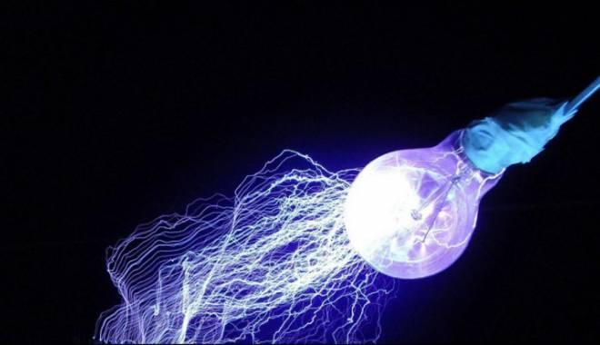 Foto: Internet de mare viteză ... prin becuri
