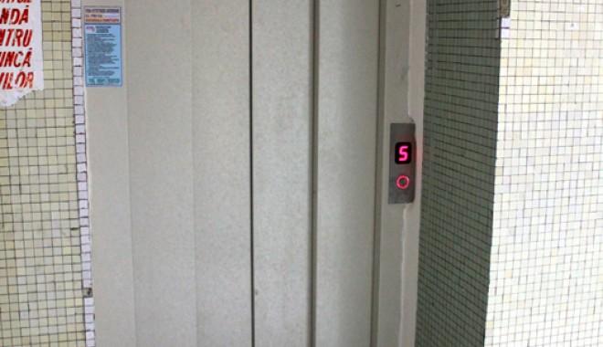 Lifturi noi şi moderne la Spitalul Judeţean - liftspital15-1330535589.jpg