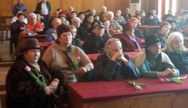 """Foto: """"Liga Pensionarilor"""" a fost avertizată de poliţiştii constănţeni"""
