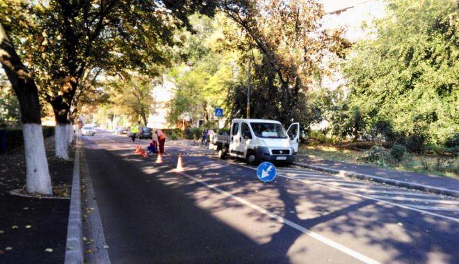 Foto: Şoferi, atenţie! Limitatoare de viteză pe o stradă intens circulată, din Constanţa