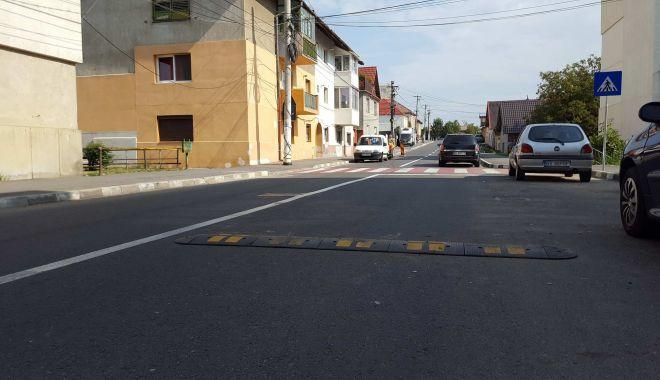Foto: Administrația locală, campanie de montare a limitatoarelor de viteză