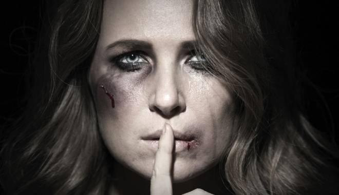 Foto: Linie telefonică gratuită  pentru victimele violenţei domestice