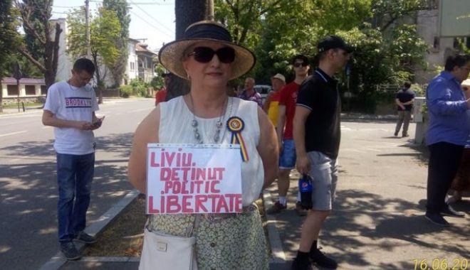 Foto: Protest la Palatul Cotroceni pentru eliberarea lui Dragnea din închisoare
