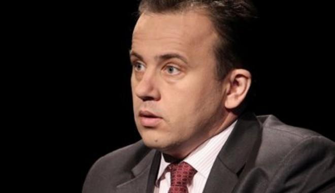 Foto: Liviu Pop: O nouă rectificare bugetară va fi făcută în această lună. Vor fi alocaţi bani pentru reîntregirea salariilor bugetarilor începând cu 1 decembrie