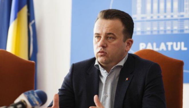 Foto: Ministrul Educaţiei, Liviu Pop, vine la Constanţa