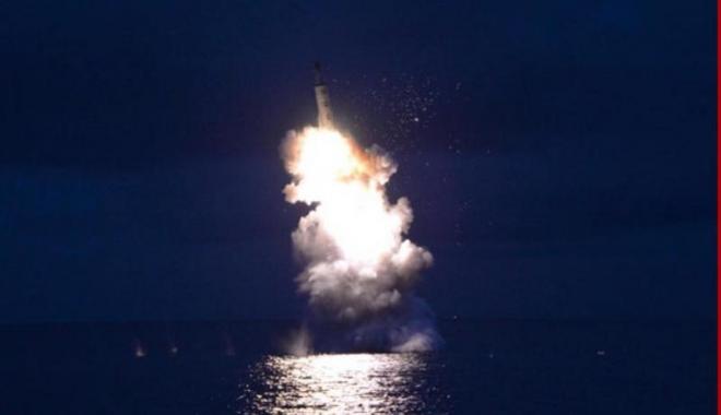 Foto: Coreea de Nord a lansat din nou o rachetă. Sirenele de alarmă s-au declanșat în Japonia