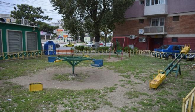 Foto: Când va avea Constanţa locuri de joacă moderne pentru copii?