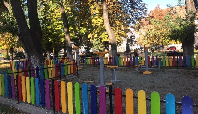 Foto: Alte locuri de joacă pentru copii, amenajate la Constanța