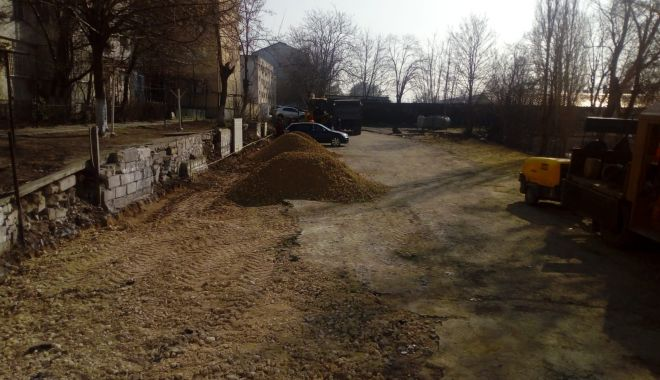 Foto: FOTO. Locuri noi de parcare pe strada Unirii din Constanţa
