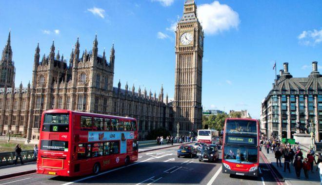 Foto: Londra vrea să pună în practică o înregistrare simplă pentru cetăţenii UE