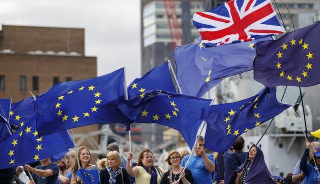 Foto: Londra anunţă progrese în negocierile cu UE privind serviciile financiare