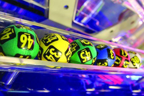 Foto: Loto. Report de aproximativ 1,3 milioane de euro la 6 din 49 şi peste 2,1 milioane de euro la Joker