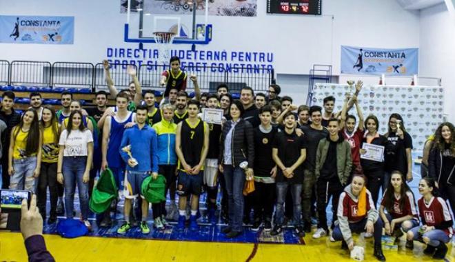 """Foto: LPS """"Nicolae Rotaru"""" şi Liceul """"Traian"""" s-au impus în finalele ONSS, la baschet"""