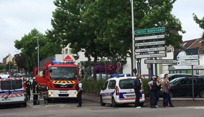Foto: Luare de ostatici în Franţa. Un preot a fost ucis