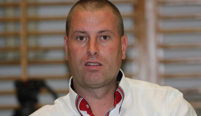 Foto: Primarul de la Tortoman, Lucian Chitic, declarat incompatibil de ANI