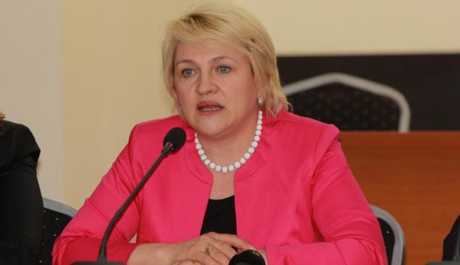 """Foto: Lucia Varga cere demisia conducerii PNL: """"S-au salvat pe ei dar şi-au bătut joc de partid"""""""