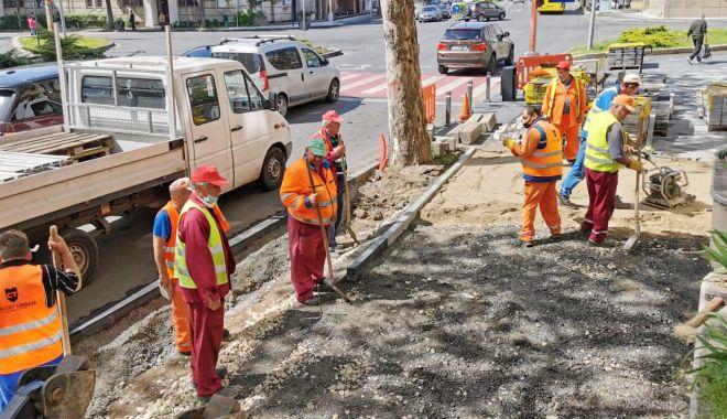 Lucrări în mai multe zone din Constanţa. Se refac trotuarele şi carosabilul - lucrari-1621268794.jpg