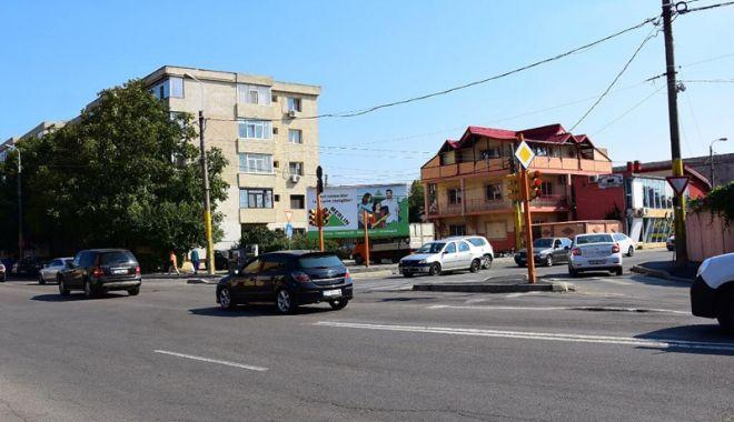 Foto: Continuă asfaltarea,  la Constanţa! Lucrări de frezare  în cartierul Inel II