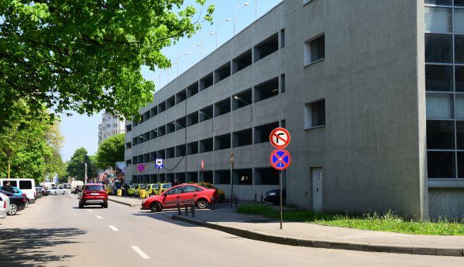 """Foto: Se închide """"Parcarea verde"""" de la Spitalul Județean. Care este motivul"""