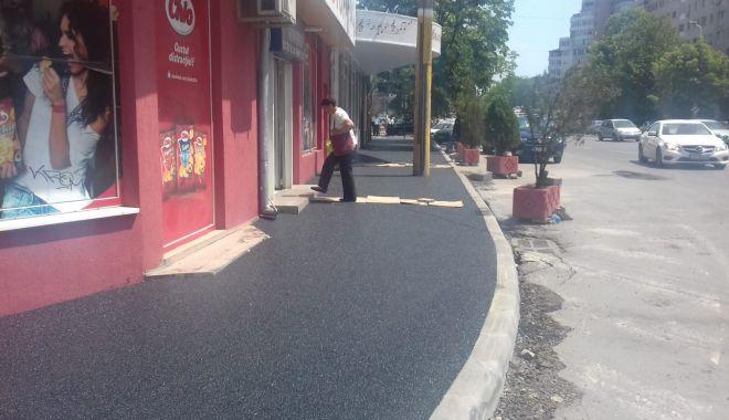 Foto: Lucrări intensive de reabilitare a străzilor şi trotuarelor în Constanţa