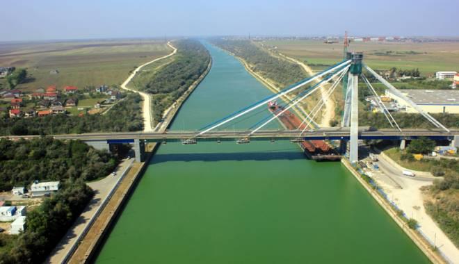 Foto: Lucr�rile la podul de la Agigea cost� de patru ori mai mult dec�t se stabilise ini�ial