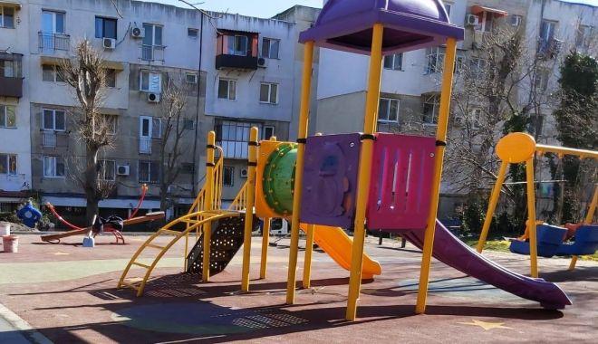 Foto: Noi locuri de joacă reabilitate, în cartierul Palazu Mare