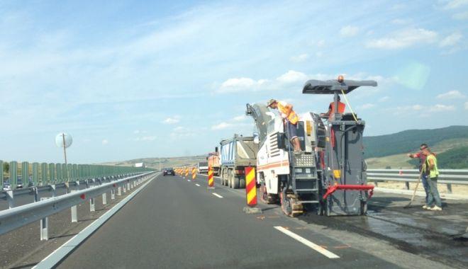 Foto: Şoferi, atenţie! Lucrări pe Autostrada Soarelui