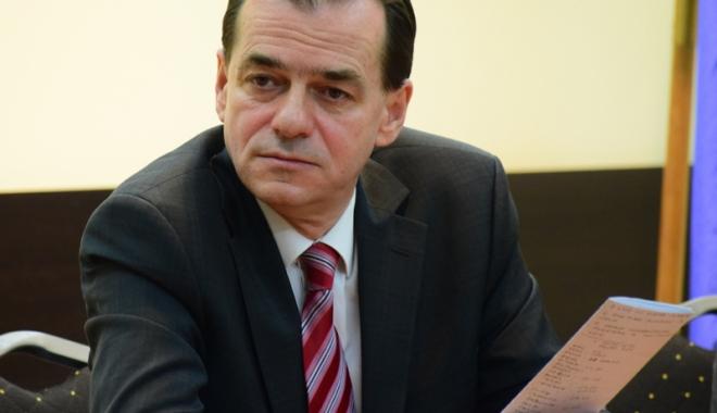 Foto: Ludovic Orban, cu gândul la şefia PNL, şi-a început campania la Constanţa