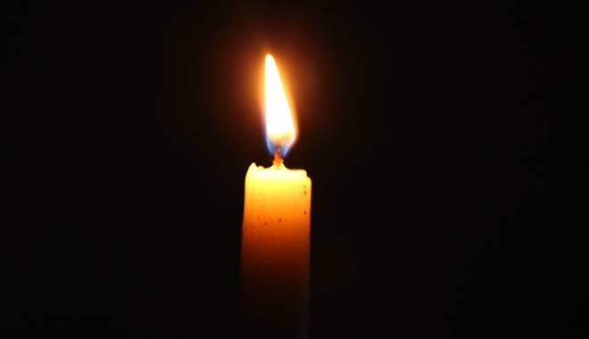 Doliu în sportul românesc. A murit antrenorul Titi Mihail! - lumanare-1453454427.jpg