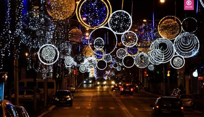 Foto: Ce se întâmplă cu luminiţele ornamentale de iarnă, de pe străzile Constanţei