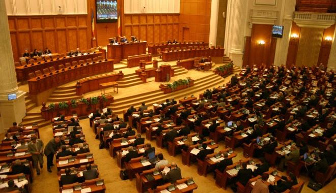 Foto: Taxa de solidaritate, respinsă de Camera Deputaţilor