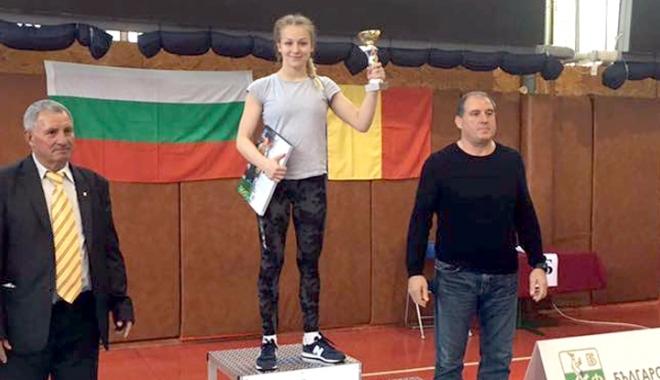 Foto: Luptătoarea Andreea Ana a strălucit la turneul