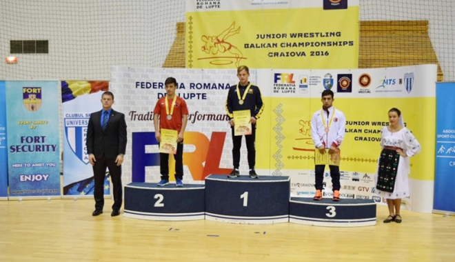 Foto: Luptător de la  CS Farul, campion balcanic de juniori