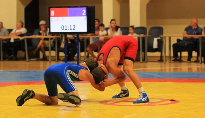 Luptătorii constănţeni ţintesc podiumul la Cupa României la juniori