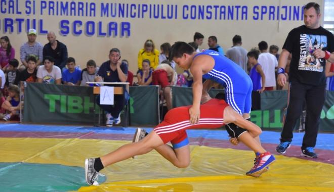 Foto: Luptătorii constănţeni vor să închidă sezonul pe podiumul Cupei României