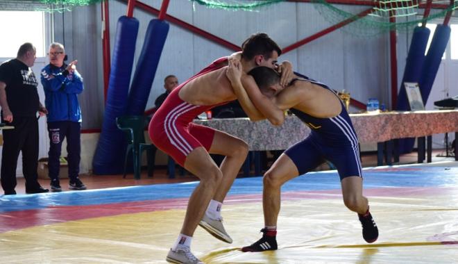 Foto: Luptătorii constănţeni, la ultima repetiţie înainte de etapa finală