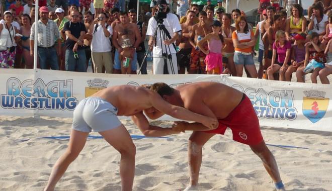 """Foto: """"Olimpiada"""" pe nisip"""