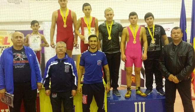 Foto: Luptătorii constănţeni, pe podium la Naţionalele de la Botoşani