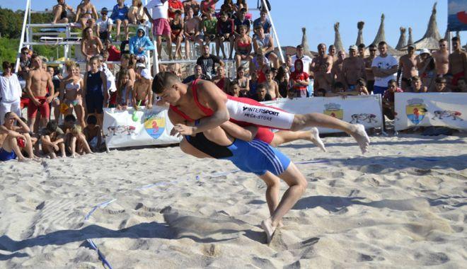 """Foto: Cupa Callatis la lupte, pe plaja """"Laguna"""" din Mangalia"""