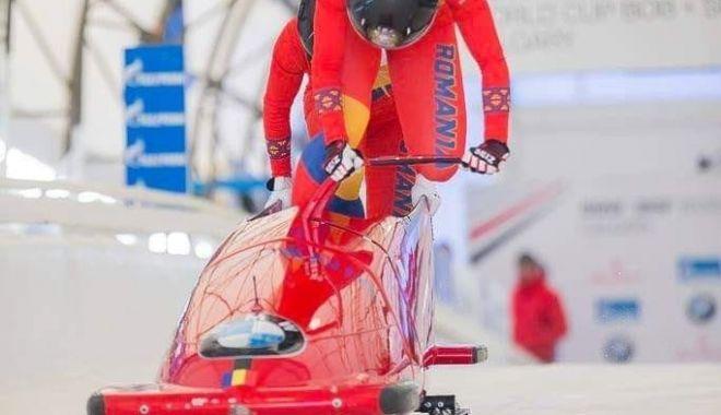 Foto: Măcel pe pârtie! Bobul constănţean s-a răsturnat la Mondialele din Canada